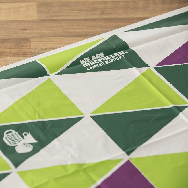 Green, white and purple triangle pattern tablecloth